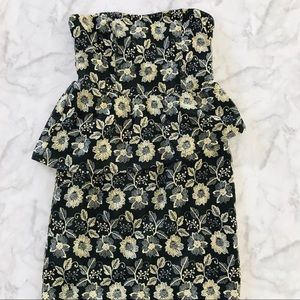 5|48 SAKS FIFTH AVENUE Floral embroidered dress